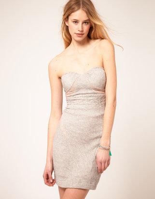 Hype Strapless Body-Conscious Dress