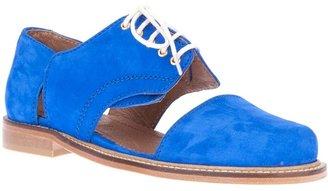Mini Market Minimarket cut-out shoe