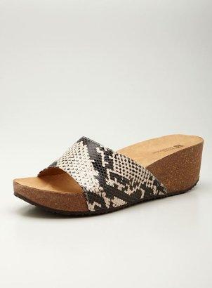 White Mountain wedge Slip-on Sandal