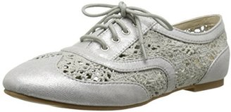Wanted Women's Neat Lace-Up Oxford