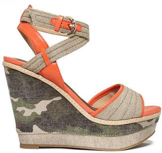 G by Guess Women's Tezley Platform Wedge Sandals