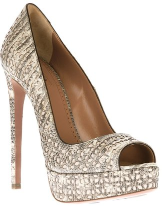Alaia perforated platform pump
