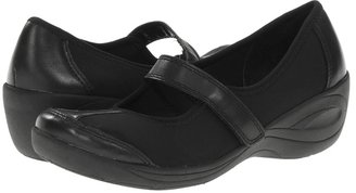 Easy Spirit Kenisha (Black/Black Leather) - Footwear