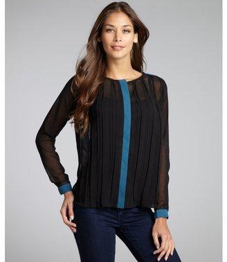 Romeo & Juliet Couture black chiffon woven pleated colorblock blouse