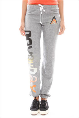 Singer22 Day By Day Logo Sweatpant in Heather Grey