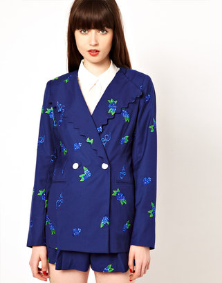 Nishe Jacket with Floral Embroidery