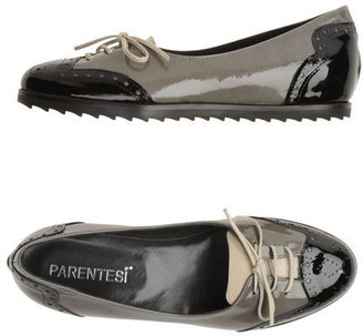 Parentesi Moccasins