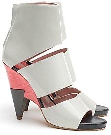 Chloé Patent Triple Strap Zip Back Sandals
