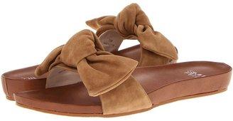 Pelle Moda Elia (Latte Suede) - Footwear