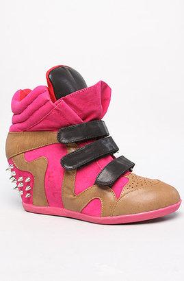 *Sole Boutique The Just Sneaker in Fuchsia