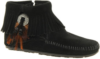 Minnetonka Concho Feather Side Zip Black Ankle Boots