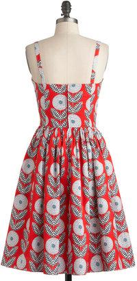 Dahlia Bernie Dexter What a Dress in Blooms