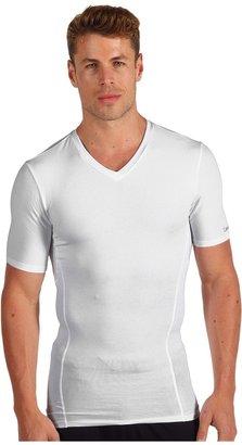 Calvin Klein Underwear Core Sculpt Compression V-Neck T-Shirt (White) - Apparel