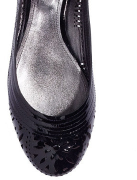 Belle by Sigerson Morrison Andromeda Patent Laser-Cut Flats