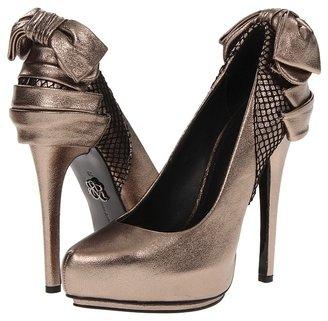 Rock & Republic Sage Bow Pump (Pewter) - Footwear
