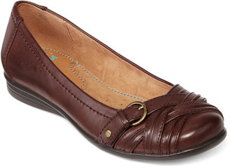 JCPenney YuuTM Gander Pleated Buckle Flats