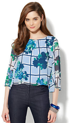 New York & Co. Chiffon Crop Top - Contrast Print