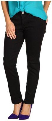 Calvin Klein Jeans Petite - Petite Powerstretch Denim Curvy Skinny Jean in Black (Black) - Apparel