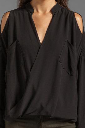 Funktional Linear Cold Shoulder Fold Front Blouse
