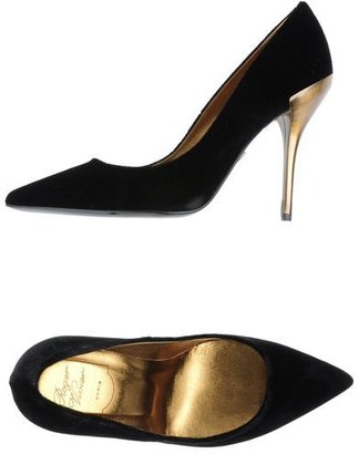 Roger Vivier Closed-toe slip-ons