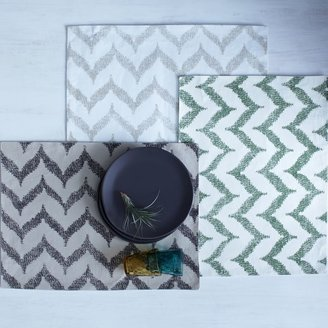 west elm Ikat Zigzag Printed Placemat Set