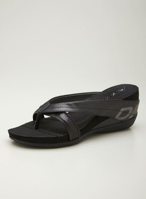 DKNY Henrietta Comfort Thong Sandal