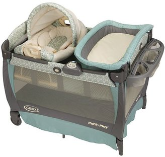 Graco pack 'n play play yard with cuddle cove rocking seat - winslet