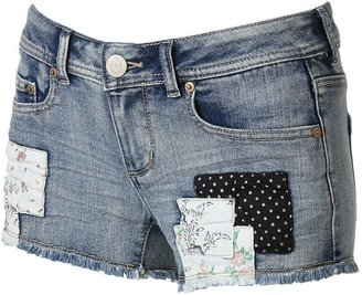 So ® floral patch denim shortie shorts - juniors