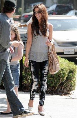 J Brand 10' Twill Black/White Tie Dye Pencil Leg Skinny Jean in Oz as seen on Kate Beckinsale