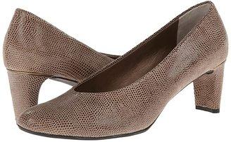 VANELi Dayle (Taupe E-Print) Women's 1-2 inch heel Shoes
