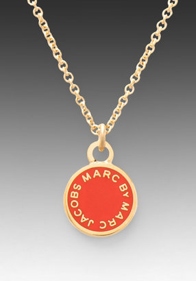 Marc by Marc Jacobs Classic Marc Enamel Disc Necklace in Blaze Red/Oro