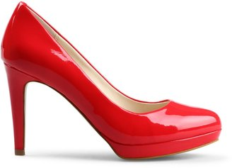 C. Wonder Patent Leather Platform Pump