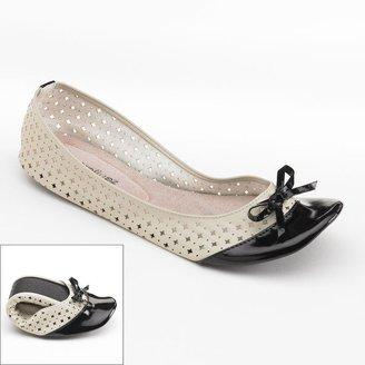 Foot roll upz cassie perforated ballet flats - women