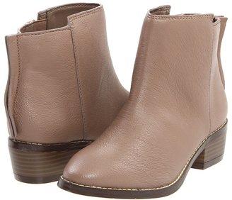 Type Z Deke (Taupe) - Footwear