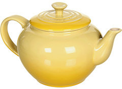 Le Creuset 22 Oz Small Teapot With Infuser