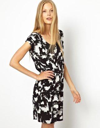 American Vintage Woven Dress in Porcelain Brushstroke - Black