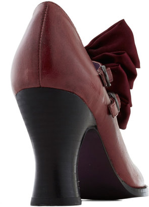 Gift Wrapped Perfection Heel in Wine