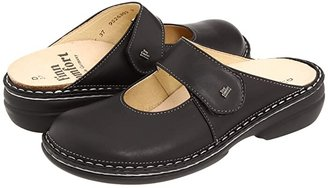 Finn Comfort Stanford - 2552 (Black) Women's Clog Shoes