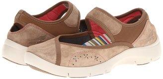 Dansko Emmy (Mocha Suede) - Footwear