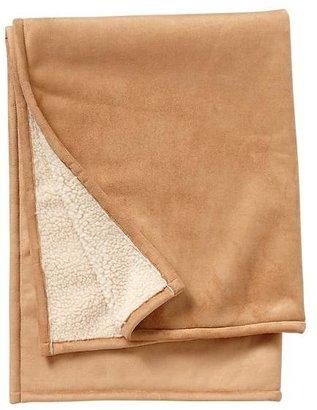 Gap Shearling blanket
