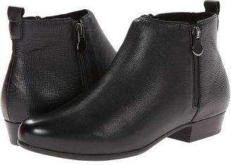 Munro - Lexi Women's Zip Boots $225 thestylecure.com