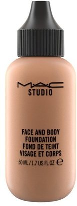 M·A·C MAC MAC Studio Face & Body Foundation - C1