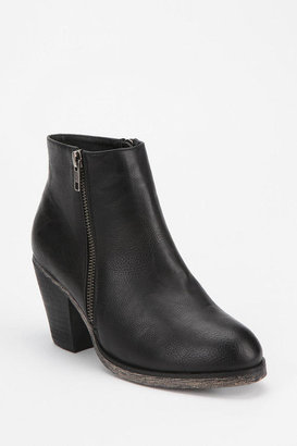 Urban Outfitters Ecote Eliana Double-Zip Boot