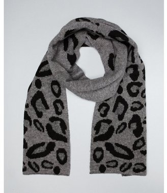 Laundry by Shelli Segal steel grey leopard print wool reversible scarf