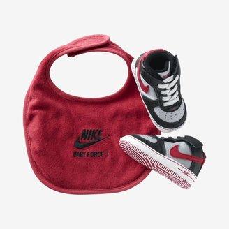 Nike Force 1 Newborn Kids' Gift Pack (0-4c)