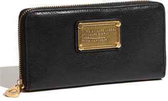 Marc by Marc Jacobs 'Classic Q - Vertical Zippy' Wallet