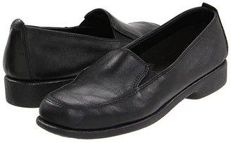 Hush Puppies Heaven (Black Leather) Women's Flat Shoes