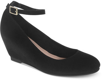 Chinese Laundry Abstract Wedges
