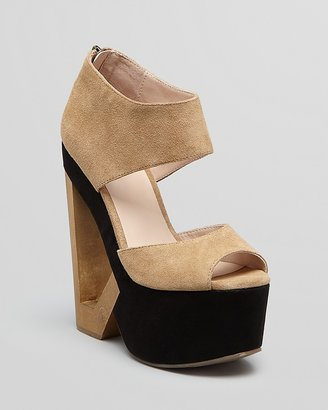 Dolce Vita DV8 Peep Toe Platform Sandals Peep Toe Sandals - Phantom Triangle