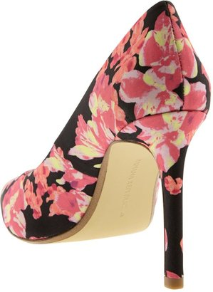 Banana Republic Ninah Pump